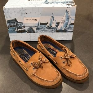Woman's Sperry Top-sider shoes